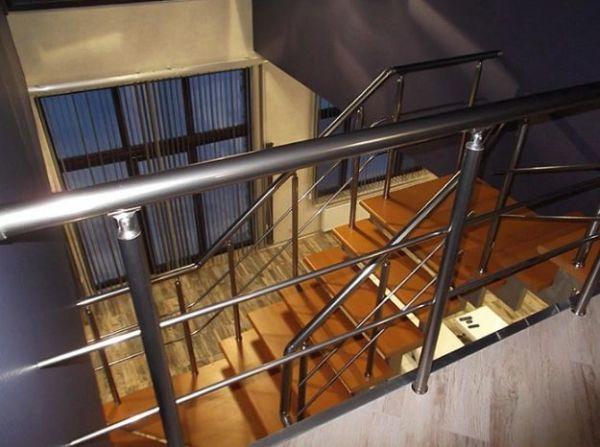 Лестница на двойном усиленном косоуре Г-образная (2) фото 3