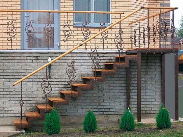 Лестница на двойном усиленном косоуре прямая фото 1