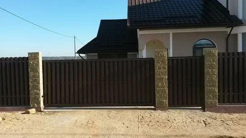 Откатные ворота из евро штакетника 4