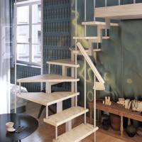 Модульная малогабаритная лестница эксклюзив (c поворотом на 180 градусов) фото