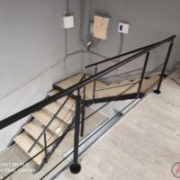 Лестница на антресольный этаж фото 1