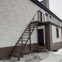 Лестница уличная с площадкой фото 1