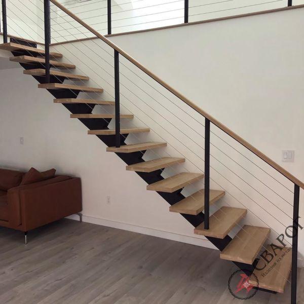 Лестница на монокосоуре с тросовыми перилами фото 1