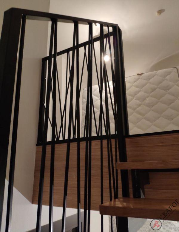 Лестница с забежными ступенями в узком проеме фото 7