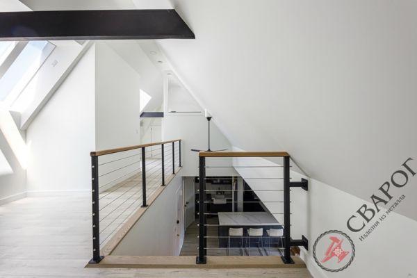 Лестница на монокосоуре с тросовыми перилами фото 8
