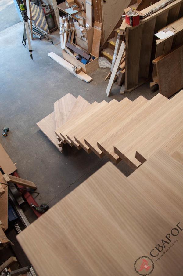 Лестница с толстыми ступенями фото 3