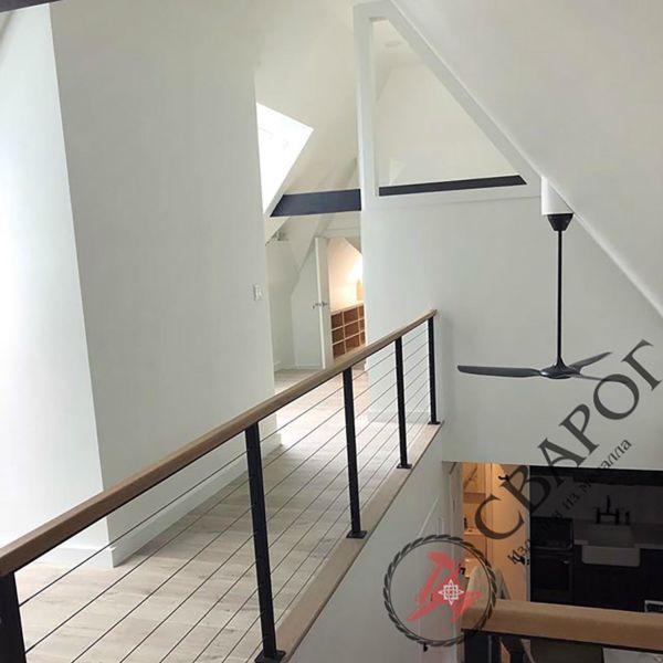 Лестница на монокосоуре с тросовыми перилами фото 5